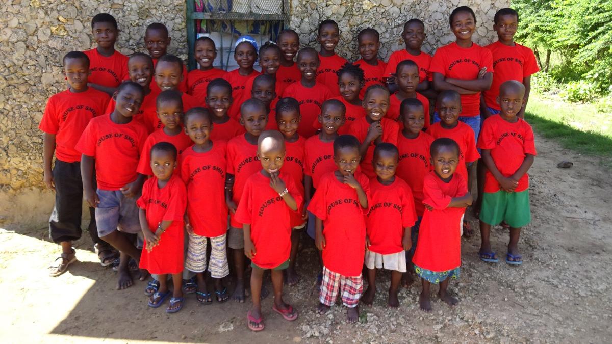 SHANZU KIDS TOGETHER, RED T SHIRT EVENT